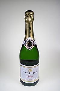 BRUT BLANC DE BLANCS Francouzské šumivé víno z oblast Bordeaux